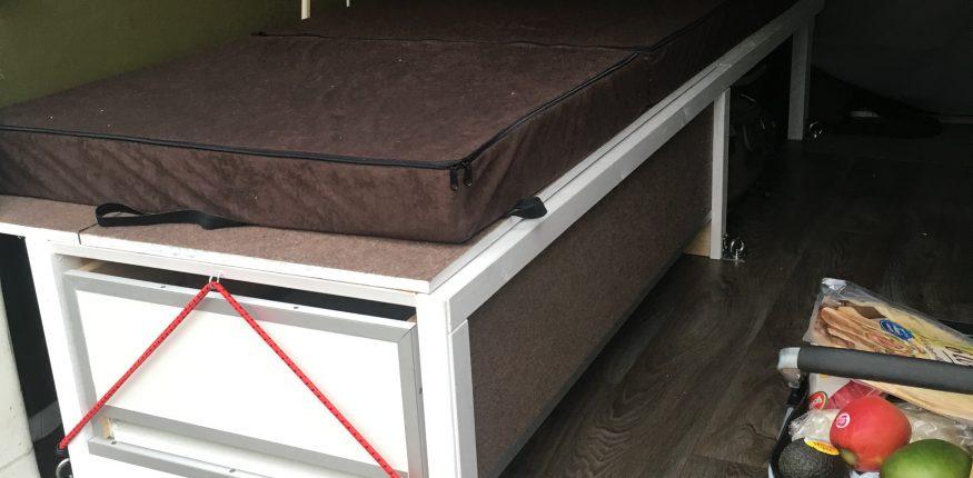 Eigenbau Bett Einmannbett mit Klappmatratze
