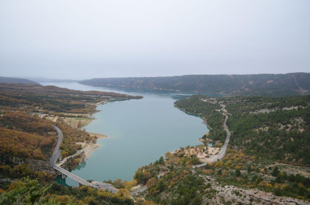 Lac du Sainte Croix in Frankreich ein über 200ha großer Stausee