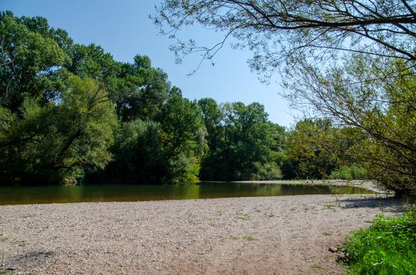 kleiner Fluss in Frankreich