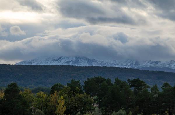 Schneebdeckte Pyrenäen