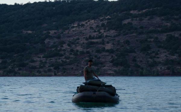 Angelfreund auf dem Boot