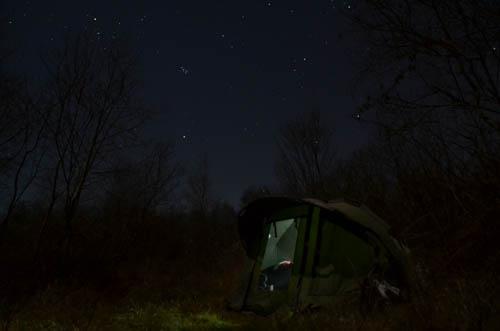 Zelten unter Sternenhimmel