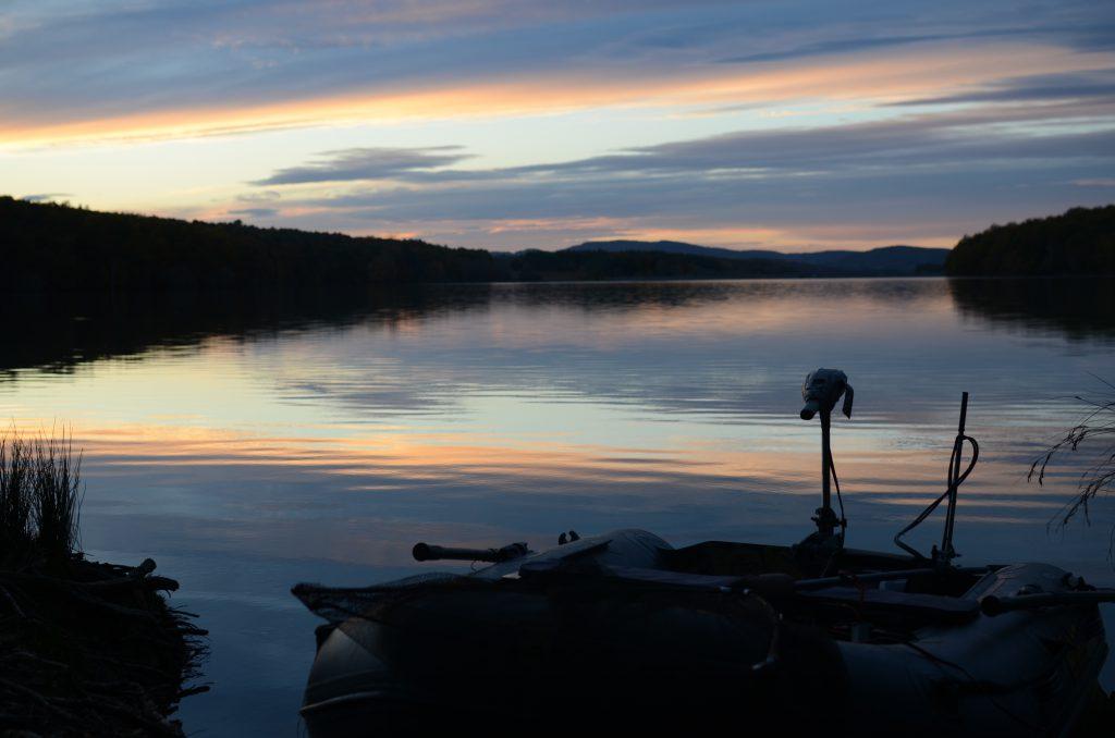 Sundown, Pyrenees, Südfrankreich, Karpfenangeln, Fishing, Boot, IBoat