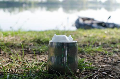 Kaffee mit Milchschaum Outdoor